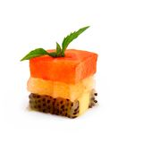 Cubos de la fruta de postre de la fresa, de la naranja y del kiwi Fotografía de archivo libre de regalías