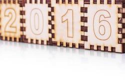 Cubos de madeira com números 2016 no fundo branco Imagens de Stock Royalty Free