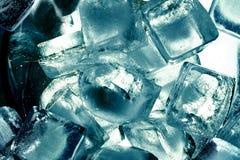 Cubos de un hielo de la turquesa Imagen de archivo