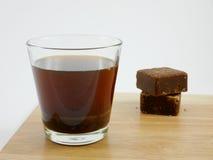 Cubos del té del jengibre del azúcar marrón de Taiwán foto de archivo libre de regalías