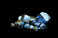 cubos dourados minerais Foto de Stock Royalty Free