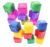 Cubos plásticos do alfabeto Fotografia de Stock