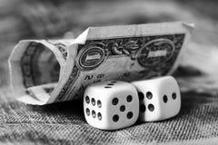 Cubos que jogam nas calças de brim, brinquedo Fotografia de Stock Royalty Free