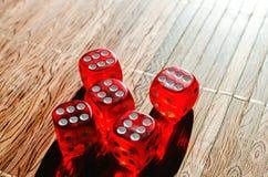 Cubos rojos de los dados Foto de archivo libre de regalías