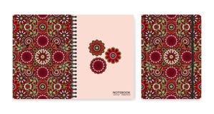 Cubra el diseño para los cuadernos o los libros de recuerdos con las flores ornamentales hermosas Fotos de archivo