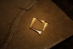 Cubra la cubierta de libro con cuero fotos de archivo libres de regalías