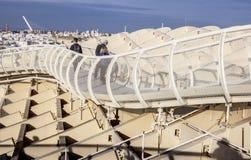 Cubra la pasarela para los peatones en el parasol de Metropol, Sevilla, SP Fotografía de archivo libre de regalías