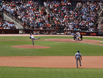 Cubs Wells throws pitch to Giants Pat Burrell Stock Images
