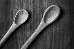 Cucchiai in bianco e nero immagini stock