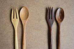 Cucchiai e forchette di legno Fotografie Stock Libere da Diritti