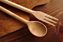 Cucchiaio e forchetta di legno Fotografia Stock Libera da Diritti