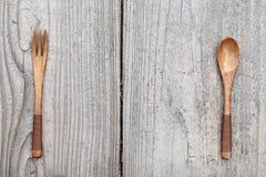 Cucchiaio e forchetta di legno Immagini Stock Libere da Diritti