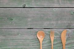 Cuchara y bifurcación de madera, cuchillo Fotos de archivo