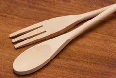 Cuchara y fork de madera Fotografía de archivo libre de regalías