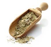 Cucharada de madera con té del compañero del yerba Fotografía de archivo
