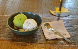 Cucharada dos del helado Imagenes de archivo