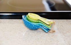 Cucharas de la medida de la cocina fijadas fotografía de archivo libre de regalías