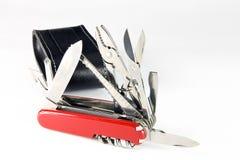 Cuchillo de bolsillo con la bolsa de cuero, aislada Imagen de archivo