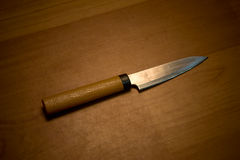 Cuchillo de cocina en bloque del corte Imágenes de archivo libres de regalías