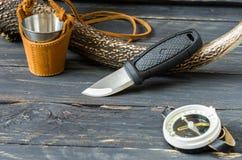 Cuchillo de un turista y de un cazador Accesorios turísticos Fotos de archivo