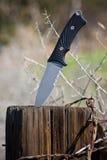 Cuchillo que acampa Fotos de archivo libres de regalías