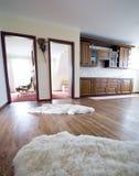 Cucina del pavimento di legno duro Fotografia Stock Libera da Diritti