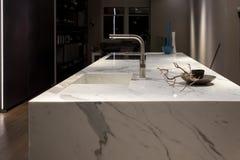 Cucina di marmo bianca Fotografie Stock