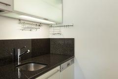 Cucina domestica dell'appartamento vuoto Immagine Stock