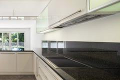 Cucina domestica dell'appartamento vuoto Fotografie Stock Libere da Diritti
