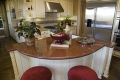 Cucina domestica di lusso. fotografia stock libera da diritti
