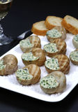 Cucina francese tradizionale: salsa del burro di lumache Fotografia Stock Libera da Diritti