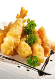 Cucina giapponese - gamberi fritti in grasso bollente Fotografie Stock