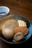 Cucina giapponese Oden e causa Immagini Stock Libere da Diritti