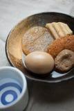 Cucina giapponese Oden e causa Immagine Stock