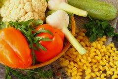 Cucina italiana degli ingredienti per pasta, primo piano Immagini Stock Libere da Diritti