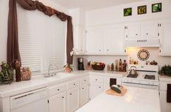 Cucina moderna bianca Fotografie Stock Libere da Diritti