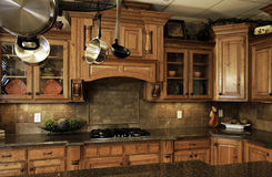 Cucina moderna comoda Fotografia Stock Libera da Diritti
