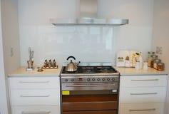 Cucina moderna del progettista Immagine Stock