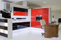 Cucina moderna di lusso immagine stock libera da diritti