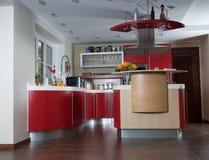 Cucina moderna rossa Immagini Stock Libere da Diritti