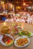 Cucina, pollo, carne di maiale e minestra del Cinese-Yunnan Il ristorante locale in Doi Mae Salong, Mae Fa Luang, Chiang Rai, Tai fotografia stock