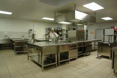 Cucina professionale con il cuoco del cuoco unico Fotografie Stock