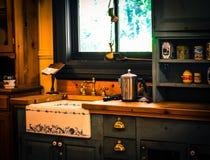 Cucina rustica del paese Immagini Stock