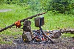 Cucinando al palo Fotografie Stock Libere da Diritti