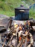 Cucinando il posto vicino al ghiacciaio alpino scorra la Svizzera, Unterstock, Urbachtal Fotografia Stock Libera da Diritti