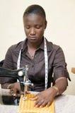 Cucitrice della giovane donna Fotografia Stock Libera da Diritti