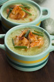 Cucumber soup with herbs and shrimps Stock Photography