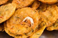Cucur Udang of garnalenfritters, een populaire Maleise gebraden snack Royalty-vrije Stock Fotografie