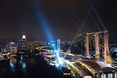 Cud folował - Zaświeca przedstawienie i nawadnia wielki laserowy przedstawienie w Azja Południowo-Wschodnia Fotografia Stock