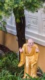 Cudapanthaka no jardim de Arhat em sua Lai Buddhist Temple, Califor fotografia de stock